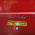 brad paisley: Moonshine In The Trunk