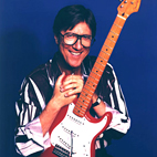 Guitar Beginners, Here's Why You Should Get Into Hank Marvin