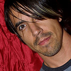 red hot chili peppers: UK (London), April 15, 2006