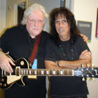 Alice Cooper Guitarist Dick Wagner Beats Paralysis, Makes Comeback