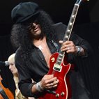Slash: 'The More Time Passes, the Less Rock and Roll Singers There Seems to Be'