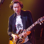 Paul Gilbert Shares the Secret on How to Get a Rock Sound From Hollowbody Guitar