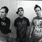 Blink-182 To Release New EP For Christmas