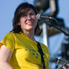 Kim Deal Quits the Pixies