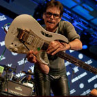 Steve Vai Presented With Les Paul Award