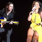 Extreme Guitarist Likes Touring With Rihanna