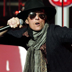 Scott Weiland Challenges Fan To On-Stage Fight