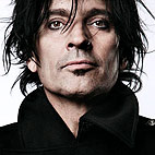 Tommy Lee: 'Cancel Calgary Stampede Races'