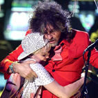Miley Cyrus to Write and Record Album With Flaming Lips