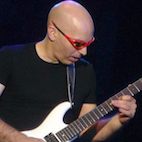 Joe Satriani: 'I Hate Changing Strings, I Haven't Changed Mine Since December 2014'