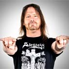 Gary Holt on Replacing Jeff Hanneman in Slayer: 'I'm Just Keeping His Seat Warm'