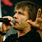 Iron Maiden's Bruce Dickinson Planning Stand-Up Career?