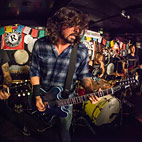 Foo Fighters Play Surprise Gig in Pizza Parlor