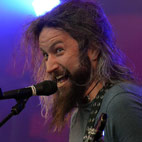 Mastodon's Troy Sanders Acts In Advert For Guitar Amp