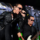 Linkin Park Singer Officially Joins Stone Temple Pilots