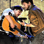 Mumford & Sons' 'Babel' Tops Chart After Glastonbury