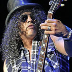 Slash Working on New Album, Confirms 'A Heavy Record'