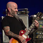 Scott Ian: 'It's Idiotic for Fans to Film Entire Concerts'