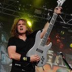 Megadeth's Ellefson: 'There Was Always a Stigma About Playing Bass With a Pick'