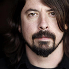 Dave Grohl Rejoins Queens Of The Stone Age