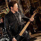 Jason Newsted: 'I Feel Like I'm 19 Again and Just Ready to Kill It'