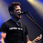 Jason Newsted Praises Muse, Kings of Leon and Lady Gaga as 'Great Songwriters'