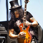Slash Album Update: 'We Like to Do Things Organically'