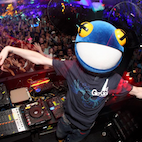 Check Out Electronica Star Deadmau5 Playing Bass Guitar