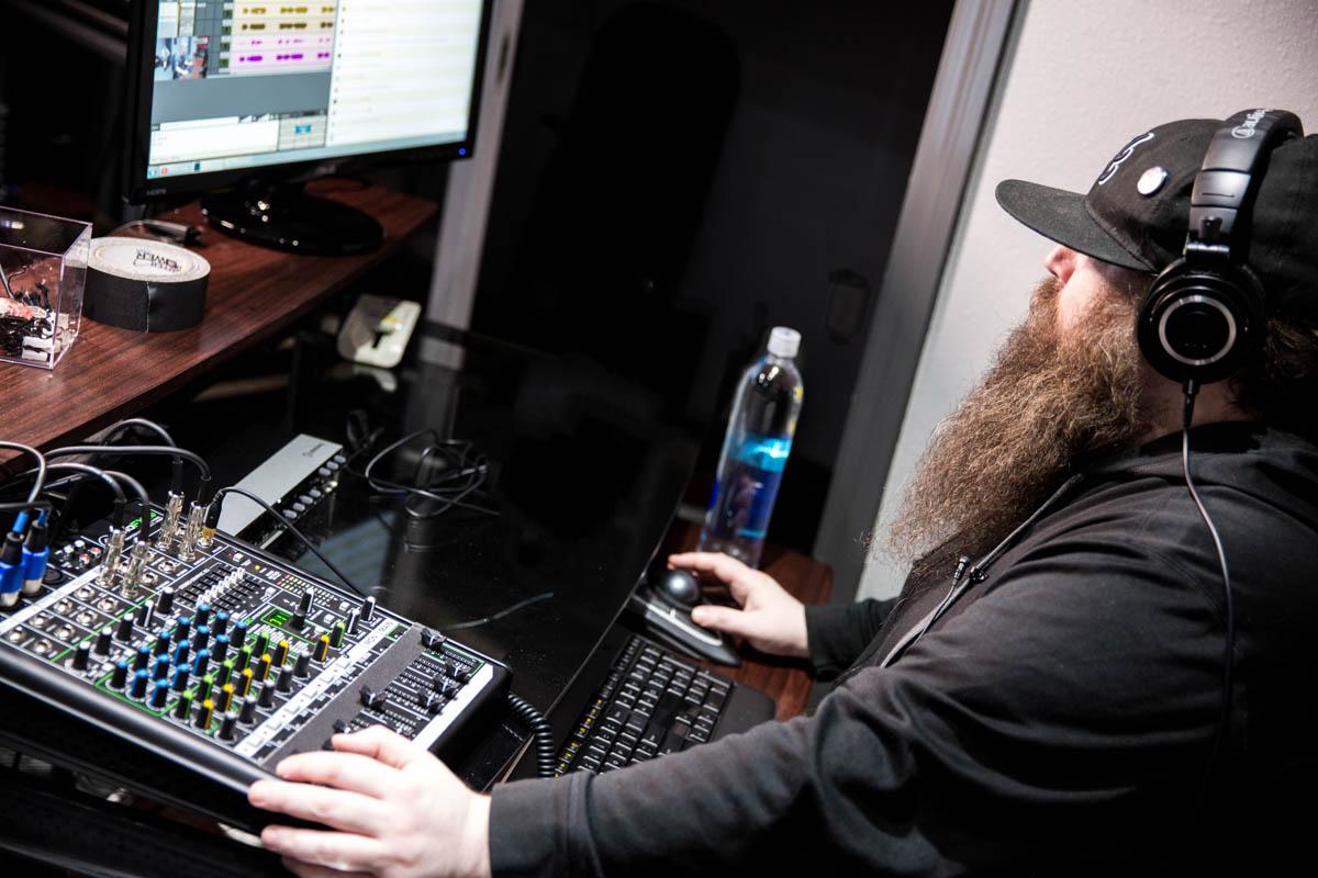 ضبط وكال و میكس آهنگهای متال