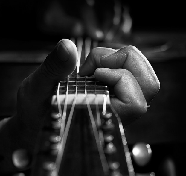 5 Easy Rock Guitar Riffs Any Beginner Can Master