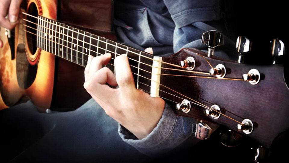 Common Questions About Learning the Guitar Beginner's Course