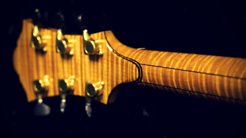Flat vs. Angled Headstocks