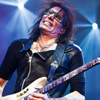 Lessons Learned From Steve Vai's 'World's Largest Online Guitar Lesson'