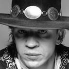 Crazy Archive Footage: Stevie Ray Vaughan Slays, Gets Booed by Troll Audience