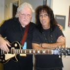Alice Cooper Guitarist Dick Wagner Beats Paralysis, Makes Comeback