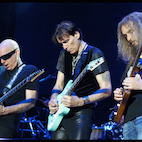 Watch: This Is What G3 2016 Lineup With Guthrie Govan Sounds Like