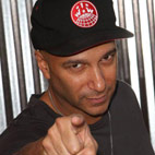 Tom Morello Wants 10,000 Guitarists For Protest
