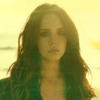 Lana Del Rey Performs 'West Coast' A Cappella at Vegas Gig