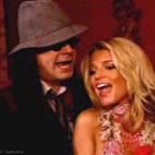 Ozzy Osbourne And Jessica Simpson Sing 'Winter Wonderland'