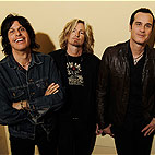 STP Supposedly Looking For a 'Famous New Singer That Will Help Sell the Tours'