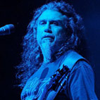 Tom Araya: 'I Have to Remind Myself That Jeff's Not Alive Anymore'