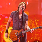 Keith Urban Returning To Stage After Surgery