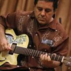 Spanish Musician Creates a Ceramic Guitar