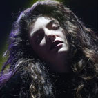 Lorde Becomes First Female Artist to Win MTV VMA for Best Rock Video