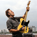 Bruce Springsteen: 'Real Men Don't Tweet'
