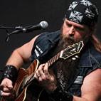 Zakk Wylde's $10,000 Guitar and Vest Stolen in Chicago