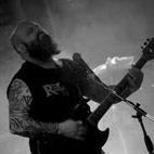 Down Guitarist Slams 'Talentless' Pop Stars, Praises Country Musicians