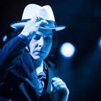 Jack White Rips Concert Goers: 'People Can't Clap Anymore!'