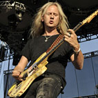 Jerry Cantrell: 'If You Can't  Play You Shouldn't Be Onstage'